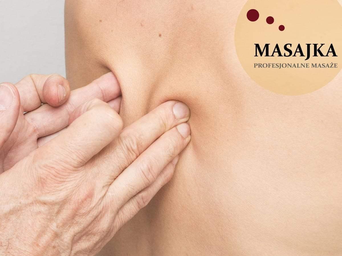masaż kręgosłupa lędźwiowego